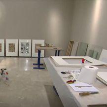 Postavljanje izložbe pvodom 100. rođendana francuskog instituta - 2