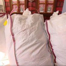 Donirana roba iz Italije za potresom pogođena područja - 1