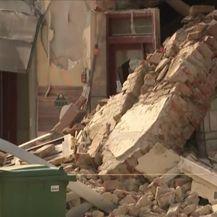 Urušen dio zgrade nakon novog potresa u Petrinji