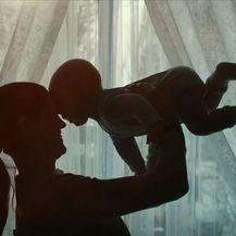 Majka s djetetom, ilustracija