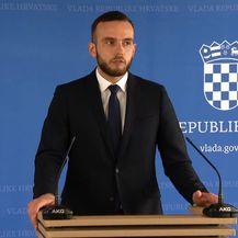 Ministar Josip Aladrović