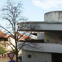 Dubrava: Dom u garažnoj cijevi - 7