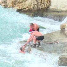 Uznemirujuća snimka: Spašavanje iz mora (VIDEO Kanal Ri)