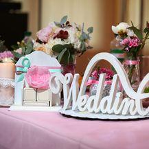 Svijeće u boji novi je trend na vjenčanjima (Foto:Guliver/Thinkstock)