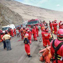 Bus sletio s litice, najmanje 48 ljudi poginulo (Foto: AFP) - 4