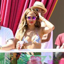 Jennifer Lopez u bikiniju