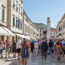 Turisti (Foto: Grgo Jelavic/PIXSELL)