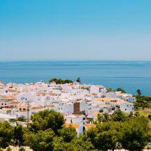 9. Nerja, Španjolska