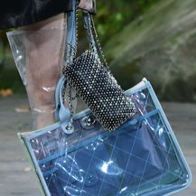 Prozirna ručna torba modne kuće Chanel