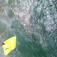 Dron u zadnji trenutak izvukao kupače iz more (Foto: Profimedia)