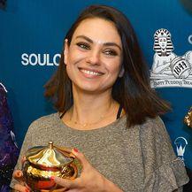Mila Kunis na dodjeli nagrade društva Hasty Pudding Theatricals - 3