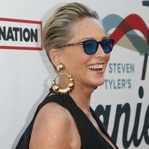 Sharon Stone na gala večeri - 4