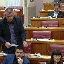 Neprimjereno ponašanje političara (Foto: Dnevnik.hr) - 3