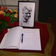 Knjiga žalosti za preminulog glumca u HNK (Foto: Dnevnik.hr)