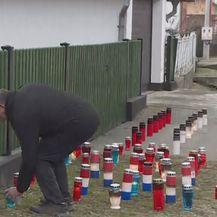 Stanovnici Donje Mahale pale svijeće ispred Gregurevićeve kuće (Foto: Vijesti u 14h)