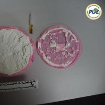 Policija je pronašla amfetamine, marihuanu i punilo (Foto: PUZ) - 3