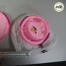 Policija je pronašla amfetamine, marihuanu i punilo (Foto: PUZ) - 5