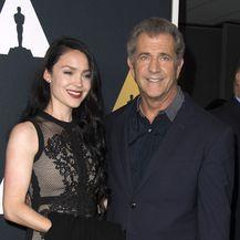 Mel Gibson i Rosalind Ross (Foto: AFP)