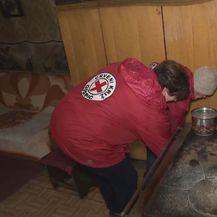 Volonterke Crvenog križa pomažu starijim osobama (Foto: Dnevnik.hr) - 1