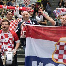 Hrvatski navijači (Foto: Sven Hoppe/DPA/PIXSELL)