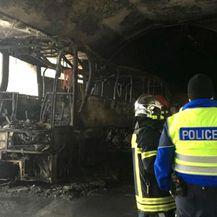 Izgorio autobus koji je prevozio srednjoškolce (Foto: Dnevnik.hr)