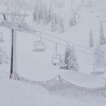 Snijeg je zatrpao Austriju (Foto: AFP) - 3