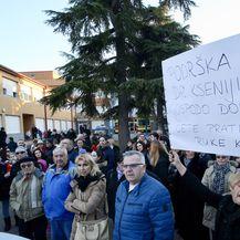 U Metkoviću održan prosvjed potpore Kseniji Kaleb (Foto: Ivo Cagalj/PIXSELL) - 1