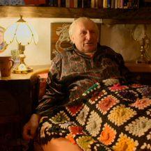 Umirovljenik Stuart Grant u svojoj 'Hobit' kućici pronašao je utočište