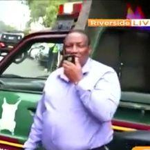 Napad na kompleks hotela u Keniji (Video: Reuters)