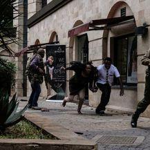 U napadu u Nairobiju ubijeno je najmanje 15 ljudi (Foto: AFP) - 14