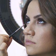 Šminkanje mladenke (Foto: Dnevnik.hr)