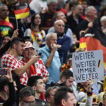 Navijači na utakmici Njemačka - Hrvatska (Foto: Federico Gambarini/DPA/PIXSELL)