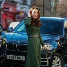 Catherine Middleton u zelenoj haljini - 4