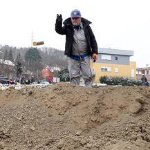 Milan Bandić u bageru započeo radove na izgradnji žičare (Foto: Goran Stanzl/PIXSELL) - 3