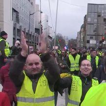 Francuski 'žuti rpsluci' i ovaj vikend na ulicama (VIDEO: AP)