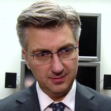 Premijer Andrej Plenković o propadanju posla kupnje izraelskih aviona (Video: Dnevnik.hr)