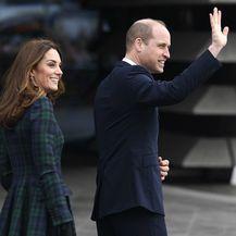 Catherine Middleton u već nošenim štiklama i kaputu starom barem šest godina - 5
