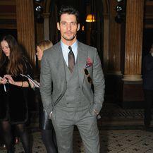 David Gandy u odijelu