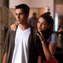 Freddie i Jodi Lyn O\'Keefe (Taylor Vaughan)