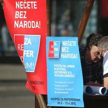Prikupljanje potpisa za referendum (Foto: Sanjin Strukic/PIXSELL)