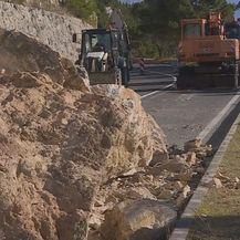 Odron stijena između Omiša i Makarske - 1
