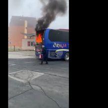 Zapalio se autobus u Vukovaru - 4