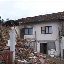 Srušena kuća od potresa u Banovini