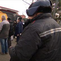 Volonteri dijele hranu u Petrinji
