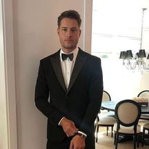 Justin Hartley - 1