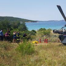 Helikopter prisilno sletio na Zlarin (Foto: Pavle Branica) - 8