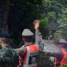 Spašena još četvorica dječkaka iz špilje (Video: Dnevnik Nove TV)
