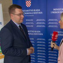 Sabina Tandara Knezović uživo s resornim ministrom Markom Pavićem (Foto: Dnevnik.hr) - 3