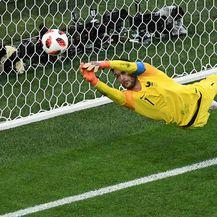 Lloris spašava Francusku (Foto: AFP)