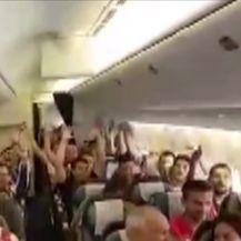 Navijacki avion poletio za Moskvu (Video: Dnevnik.hr)